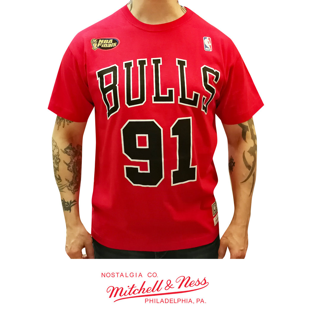huge selection of f6208 70c99 Chicago Bulls Dennis Rodman t-shirt, Mitchell & Ness