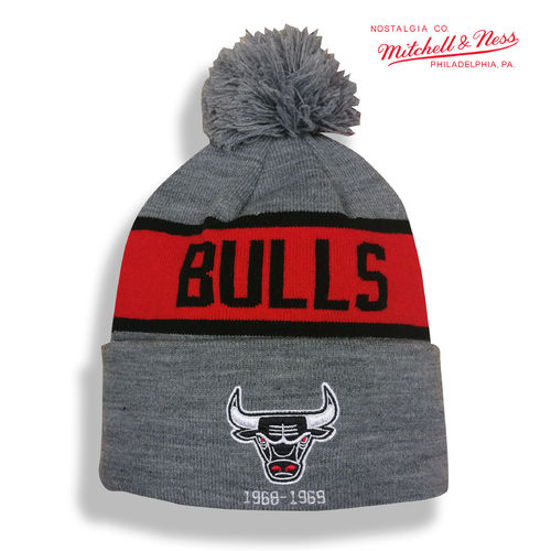 Chicago Bulls Bobble Beanie, Mitchell & Ness